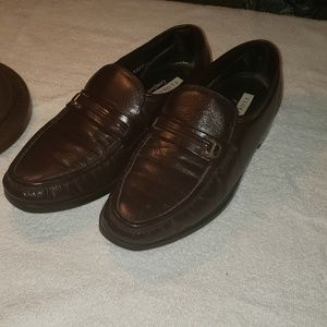 Florsheim loafers Dress Shoes Size 9